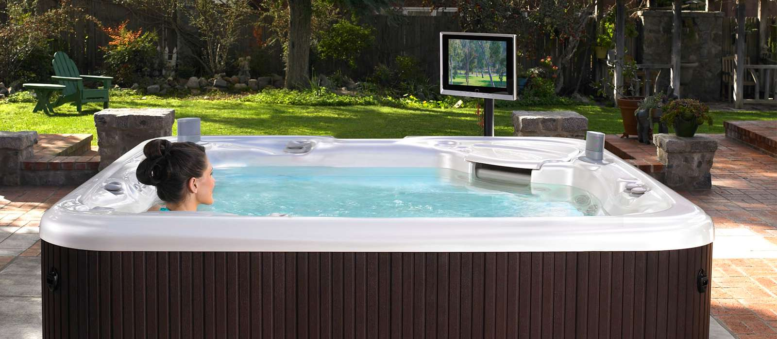 Featuring a sleek cabinet profile and multi-zone lighting, the Aria brings contemporary flair to any backyard.