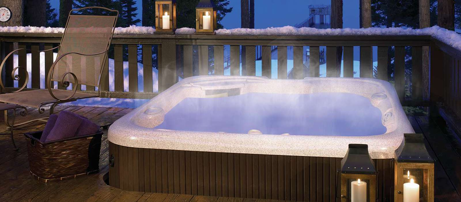 The Prodigy 5 person hot tub features the patented Soothing Stream® and JetStream® jets for an invigorating lower back massage. With personalized hydromassage options and the Luminescence® LED lighting system, this spa provides the perfect space to totally relax.
