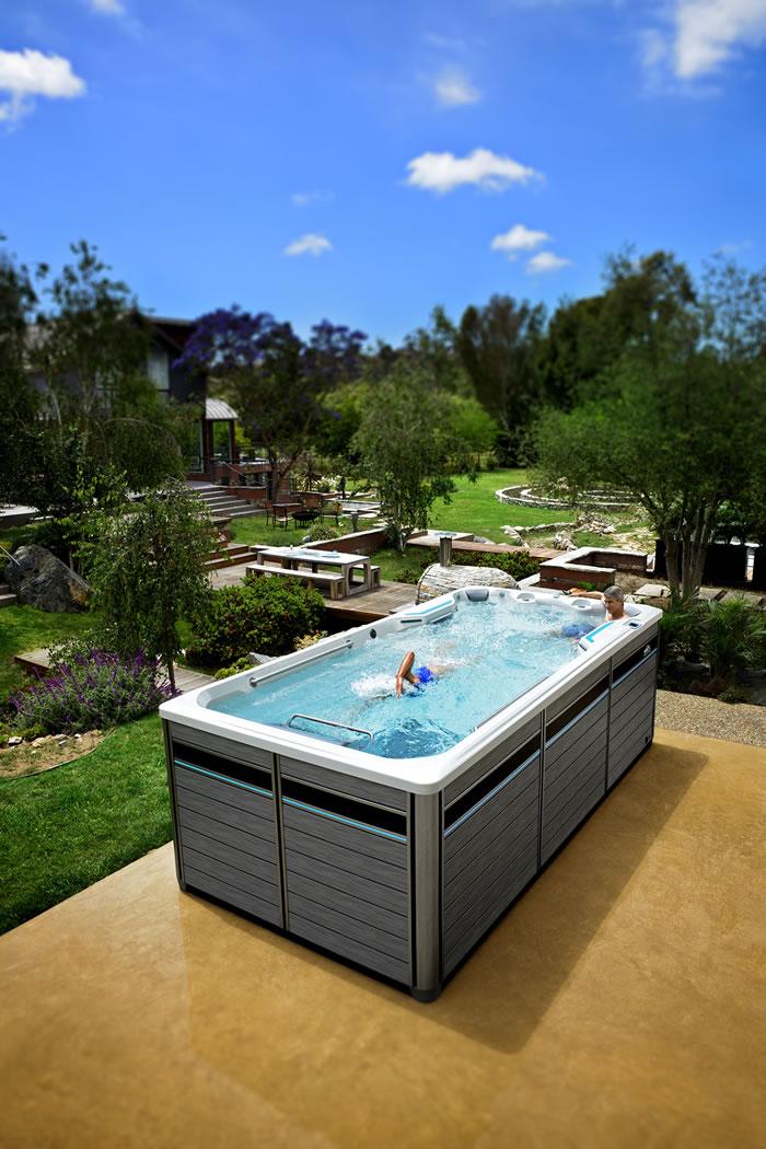 endless-pools woman swimming